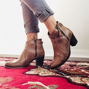 Oyve by Cristina Lucci Shoes - Tan Italian leather zip heeled booties